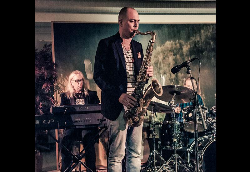 Klas Folkesson på saxofon